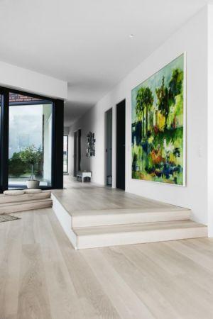 entrée et couloir - Maison G en brique contemporaine par KRADS - Danemark