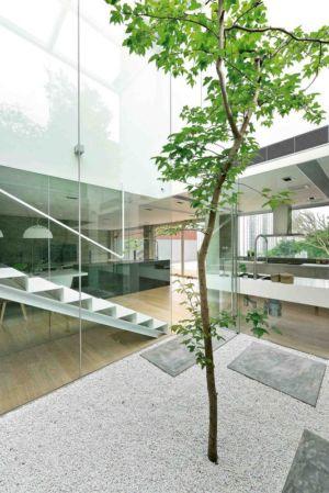 entrée et escalier - construction écologique par Millimeter Interior Design Limited - Hong Kong