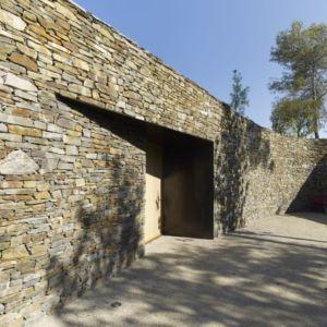 entrée extérieure - Villa T  par Boyer Percheron Assus architecture - Saint-Gély-du-Fesc, France