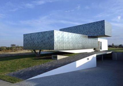 entrée garage - Campanario-2 par Axel Duhart Arquitectos - Santiago-Querétaro, Mexique