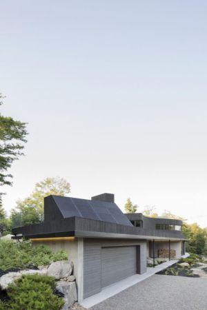 entrée garage - La-Heronniere par Alain Carle Architecte - Québec, Canada
