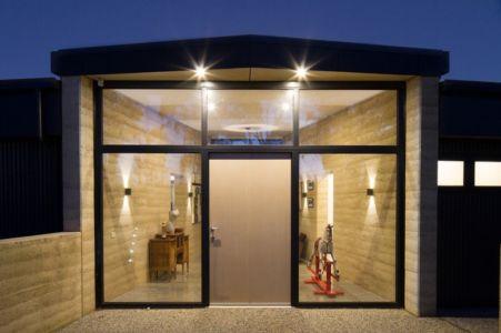 Maison contemporaine en bois contemporaine ouverte sur la - Maison avec baie vitree ...
