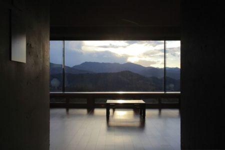 entrée pièce principale - Hyunam-house par IROJE Architects & Planners - Gunwi-gun, Corée du Sud