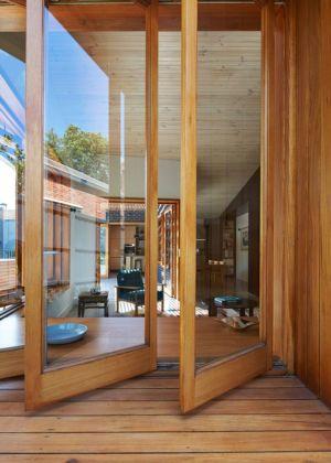 entrée portes bois vitrées - rosebank-make par MAKE - Melbourne, Australie