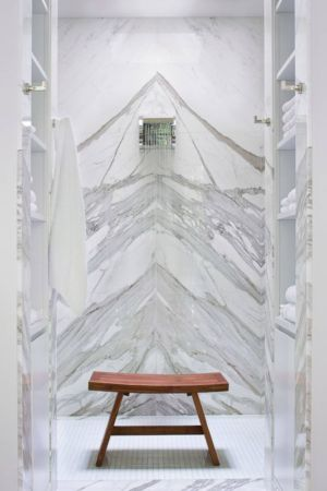 entrée salle de bains - villa par Krutz Homes - Floride, USA