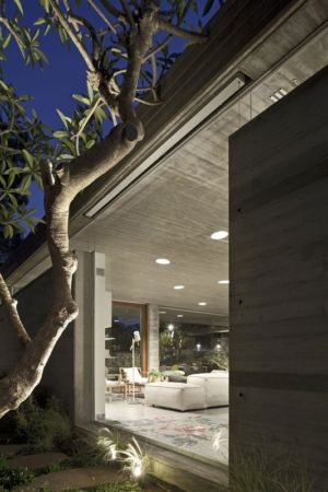 entrée salon - House-for-Architect par Pitsou Kedem Architects - Ramat Hasharon, Israël