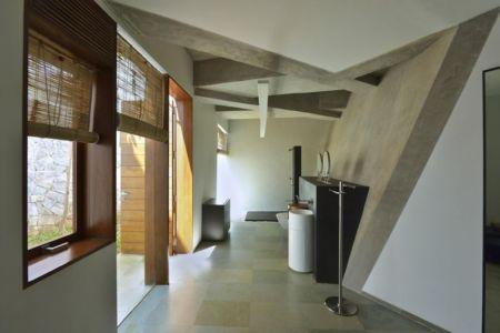entrée secondaire - Alibaug-House par Malik Architecture - Maharashtra, Inde