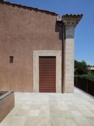 entrée secondaire villa rénovée - Sicillian-Farm-Renovation par ACA Amore Campione Architettura - Sicile, Italie