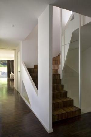 escalier - Maison R - Colboc Franzen & Associés - France - Photos © Cécile Septet