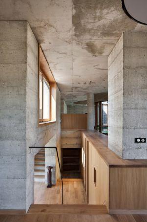 escalier - Maison Terrier par Bernard Quirot architecte + associés - Haute-Saône, France