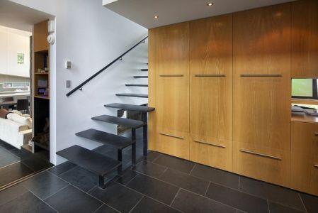 escalier - Ridge House par Marko Simcic et Brian Broster - Pender Island, Canada