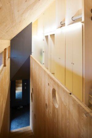 escalier - Witzmann résidence par Karawitz Architecture - France -  Photo Nicholas Calcott