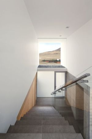escalier étage - House-Poseidon par Domenack arquitectos - Pucusama, Pérou
