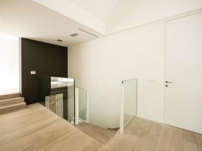 escalier étage - magnifique propriété à vendre à Uccle en Belgique