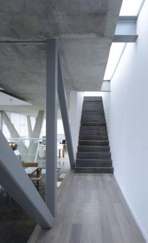 escalier accès étage - Campanario-2 par Axel Duhart Arquitectos - Santiago-Querétaro, Mexique