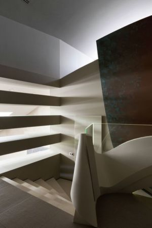 escalier accès étage - House-Kharkiv par Sbm studio - Kharkiv, Ukraine