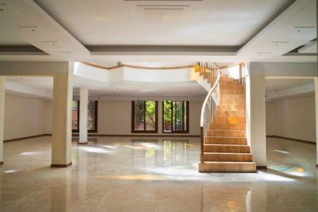 escalier accès étage - Kaveh-House par Pargar Architecture and Design Studio - Téhéran, Iran