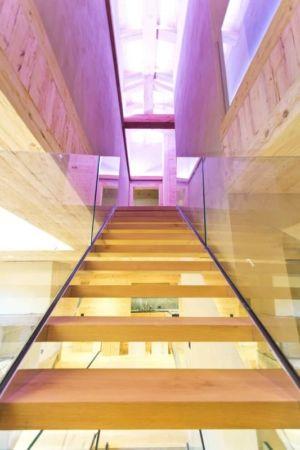 escalier accès étage - Rougemont-Residences Plusdesign - Rougemont, Suisse