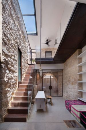 escalier accès étage - Stone-House par Henkin Shavit Architecture & Design - Safed, Israël