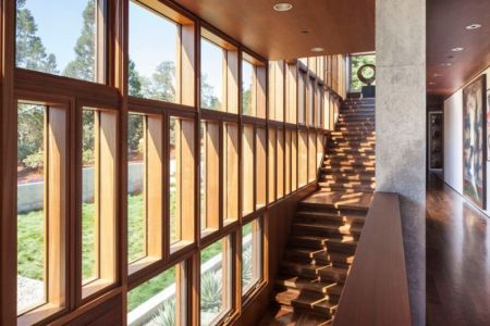 escalier accès étage - Vidalakis-Residence par Swatt Miers Architects - Californie, USA