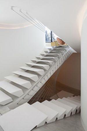 escalier accès étage et sous-sol - Villa-MQ par Office O architects - Belgique