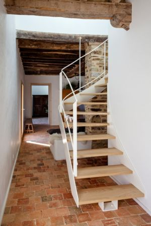 escalier accès étage - ladaa par JKA Jérémie Koempgen Architecture - Craon, France
