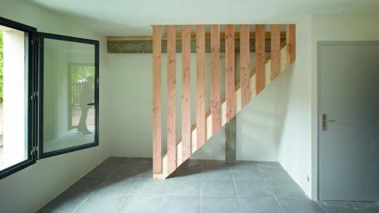 escalier accès étages - Agrandissement surévélavation par atelier 100 architecture - Tours, France