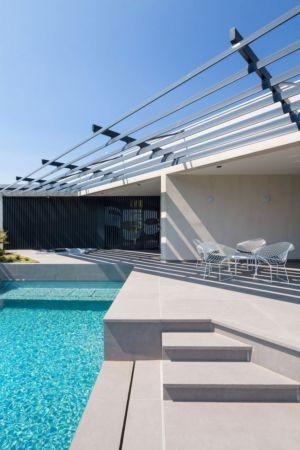 escalier accès piscine - Maison A3 par Vincent Coste - Toulon, France
