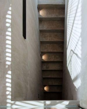 escalier accès sous-sol - KA-House par IDIN Architects - Pak Chong, Thaïlande