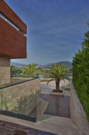 escalier accès terrasse - Touristic Villa 'S, M, L' par studio SYNTHESIS - Tivat, Montenegro