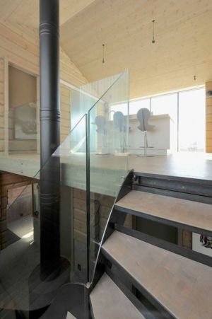 escalier avec balustrade en verre - Cozy-Wooden-Cottage par JVA - Oppdal, Norvège