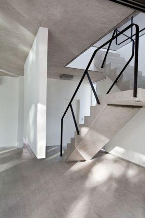 escalier béton - Casa Pedro par VDV ARQ - Buenos Aires, Argentine