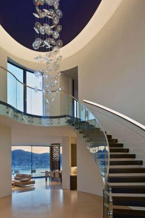 escalier balustrade en verre - maison exclusive par Polsky Perlstein Architectes - San Francisco, USA