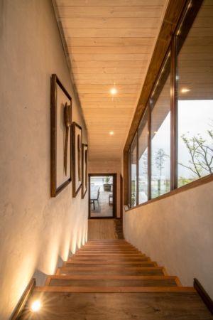 escalier bois - ED House par Eduardo Guzmán Rivera + Juan Carlos Muñoz Del Sante - Chili