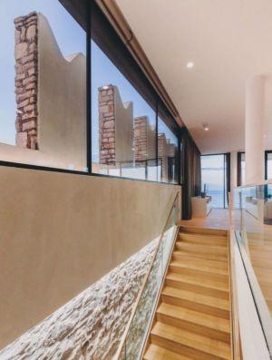 escalier bois - House Sperone par Studio Metrocubo - Novigrad, Croatie