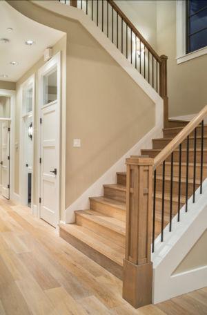 escalier bois - Maison typique par TTM Development company - Portland, Usa