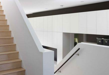 escalier bois - Renovates-Private-Residence par Dpai Architecture - Hamilton, Canada
