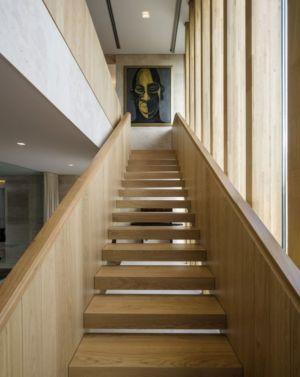 escalier bois - Vivienda en Son Vida par Negre Studio & Rambla 9 Arquitectura - Palma de Majorque, Espagne