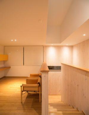 escalier bois accès étage - GB-House par EMA Arquitectos - Concón, Chili