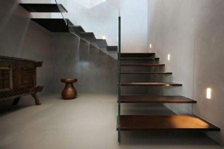 escalier bois accès étage - Sicillian-Farm-Renovation par ACA Amore Campione Architettura - Sicile, Italie