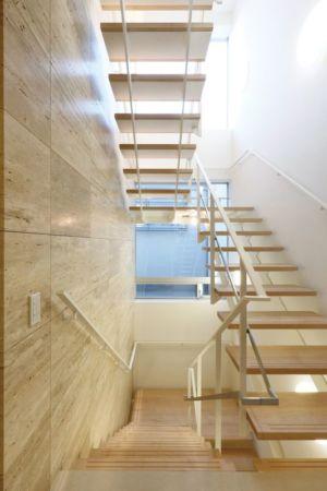 escalier bois accès étage - YAM par ks-architects - Nagoya, Japon