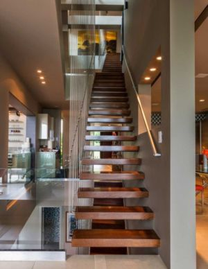 escalier bois suspendu - Sands Point Residence par Narofsky Architecture - Long Island, Usa