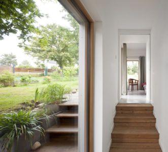 escalier bois - vlb-maison-bbc par Detroit Architectes - Verrières-le-Buisson, France