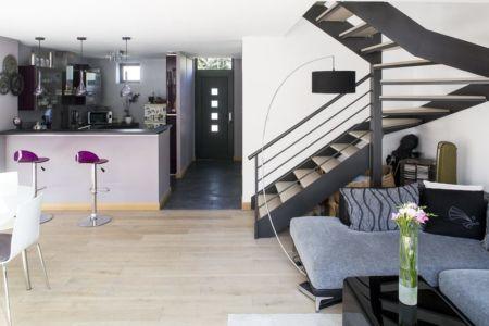 escalier - cuisine - Maisons jumelées par MAG architectes - France - photo Stéphano Candito
