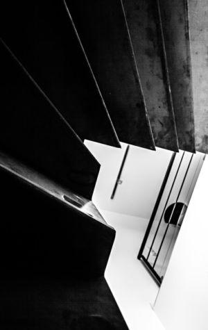 escalier design - maison bois par Hugues Tournier - Cardaillac, France