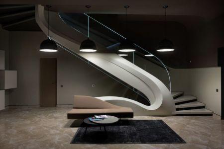 escalier design accès étage - House-Kharkiv par Sbm studio - Kharkiv, Ukraine