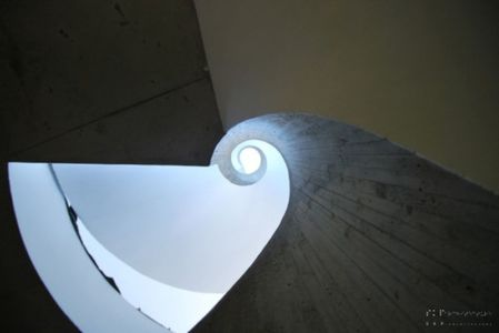 escalier design - maison exclusive par SKP Architecture - Créteil, France