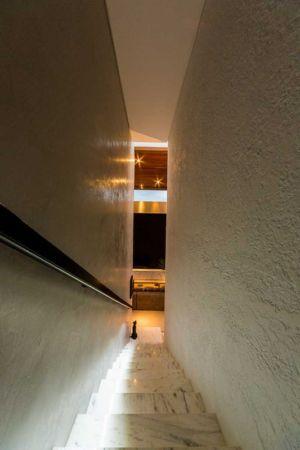 escalier en marbre - House in Londrina by Spagnuolo Arquitetura
