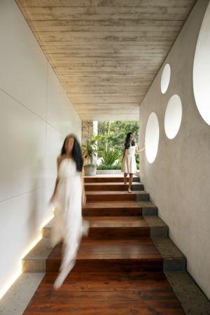 escalier entrée - chinkara house par Soliscolomer y asociados - guatemala