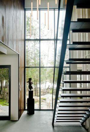 escalier et baie vitrée - Cedrus par Boom Town - Harrington, Canada